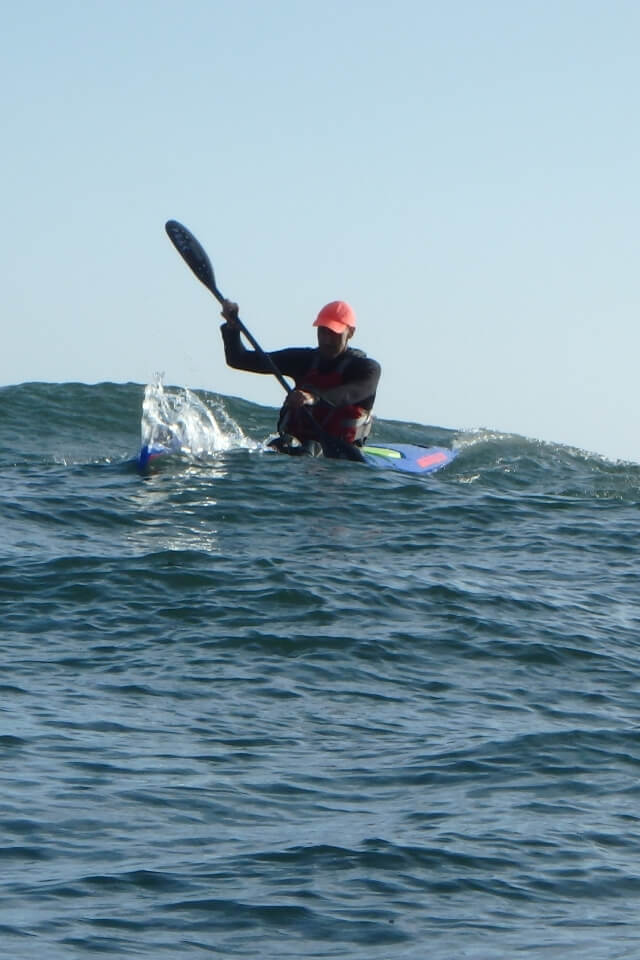Let´s learn surfski and paddle in the swell!