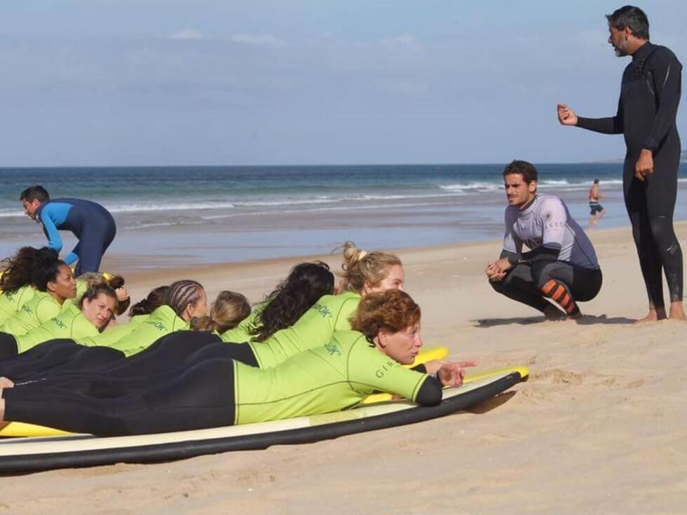 Descubra o Surf , marque uma aula na costa de Lisboa!